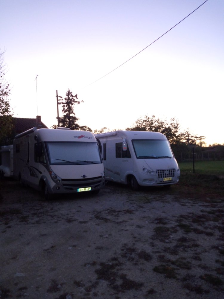 Aire camping-car à Jauldes (16560) - Photo 3